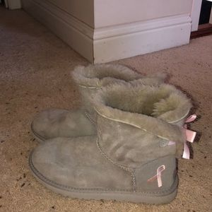 Grey Ugg Boots with Pink Bows